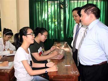 Read more about the article Thứ trưởng Bộ GD&ĐT:  Đề thi đại học đợt hai không quá khó