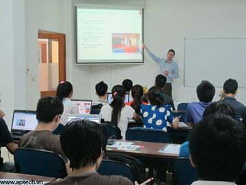 """Hanoi-Aptech: Hội thảo """"Những điều chưa biết về CNTT của ĐH Swinburne"""""""