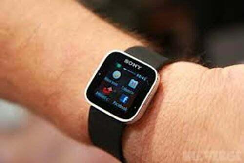 Đồng hồ kết nối điện thoại Android đã xuất hiện tại Việt Nam