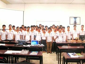 """Hanoi-Aptech-Chào đón thành viên mới lớp """"Lập trình viên FasTrack"""" T1208H"""