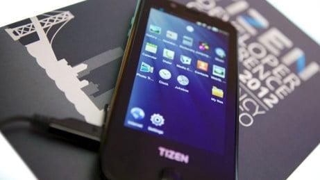 Samsung trình diễn smartphone chạy hệ điều hành Tizen