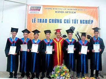 Hanoi – Aptech tổ chức lễ trao hơn 100 chứng chỉ cho học viên tốt nghiệp