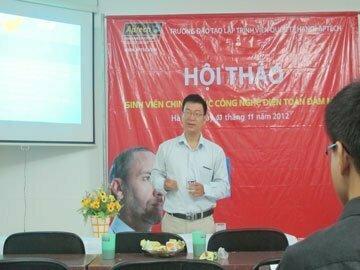"""Read more about the article Hanoi-Aptech – Cùng chuyên gia Giải mã công nghệ """"Điện toán đám mây"""""""