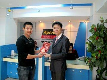 Hanoi-Aptech: Công bố và trao giải chương trình bốc thăm may mắn