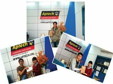 Các hotboy mới của Hanoi-Aptech nhận quà cho một nửa yêu thương