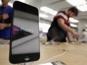 Lựa chọn mua Galaxy S4 hay iPhone 5?