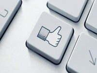 """Mỹ chi hơn nửa triệu USD """"câu like"""" trên Facebook"""