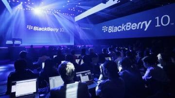 google-apple-hoac-microsoft-ai-se-mua-blackberry-hanoi-aptech