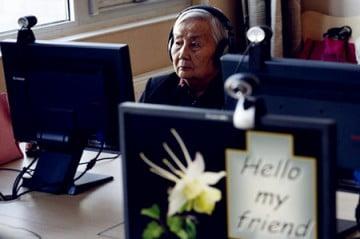 internet-cho-nguoi-gia-thach-thuc-moi-cua-chau-a-hanoi-aptech