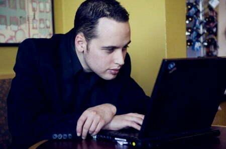 diem-mat-10-hacker-khet-tieng-nhat-the-gioi-4