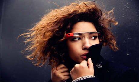 Đối thủ của Google Glass được Intel chống lưng