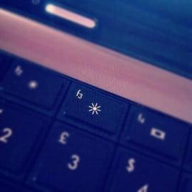 Những mẹo giúp tăng thời gian sử dụng pin laptop - 2