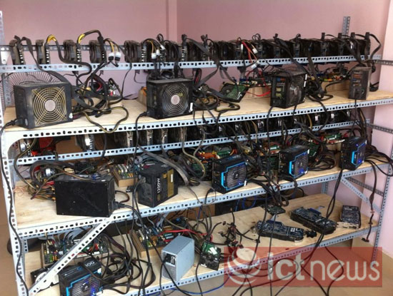 """Cận cảnh dàn máy """"đào"""" Bitcoin """"khủng"""" tại Hà Nội-5"""