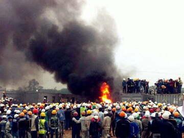 Ảnh, video công nhân đánh bảo vệ, đốt xe máy tại nhà máy Samsung Thái Nguyên