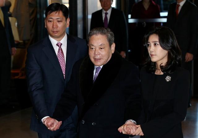 Chủ tịch Samsung hối thúc nhân viên trong một cuộc chiến công nghệ