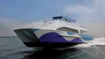 Nhân viên Google đi làm bằng du thuyền siêu sang