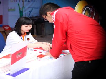 Hanoi – Aptech tham gia hội trại Sắc màu cuộc sống tại ĐH Bách Khoa