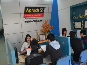 Read more about the article Lựa chọn tối ưu ngành Lập trình với học bổng To be on TOP của Hanoi – Aptech