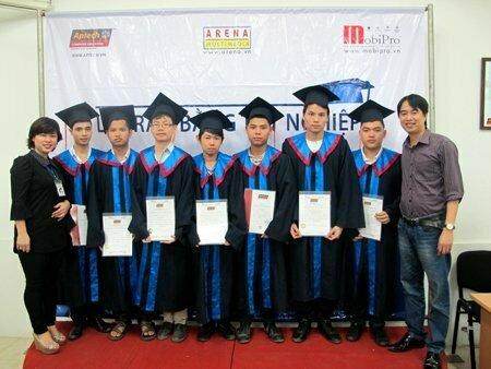 Hanoi – Aptech trao bằng cho hơn 40 học viên tốt nghiệp -3