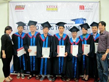 Hanoi – Aptech trao bằng cho hơn 40 học viên tốt nghiệp -5