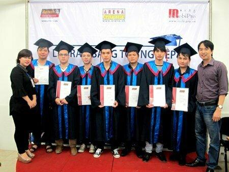 Hanoi – Aptech trao bằng cho hơn 40 học viên tốt nghiệp -6