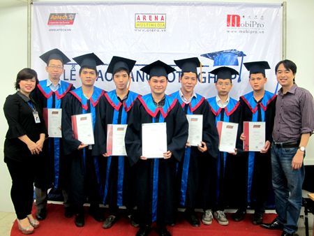 Hanoi – Aptech trao bằng cho hơn 40 học viên tốt nghiệp -7