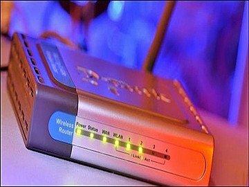 """Cách kiểm tra ai đang sử dụng """"lén"""" Wifi nhà bạn"""