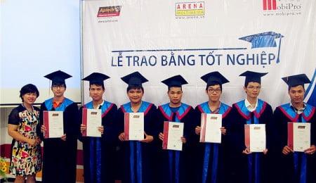 """Sinh viên Hanoi- Aptech, chưa tốt nghiệp vẫn """"đắt sô""""-2"""