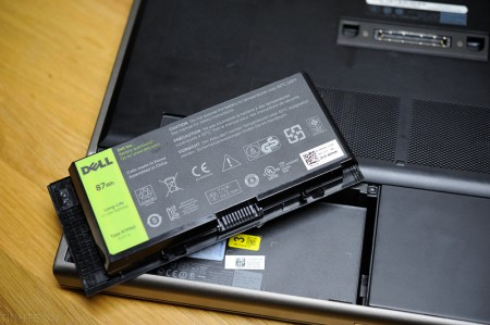 Sơ cứu laptop khi bị nước vào, bạn đã biết?-4
