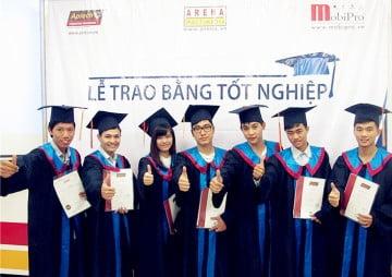 """Sinh viên Hanoi- Aptech, chưa tốt nghiệp vẫn """"đắt sô"""""""
