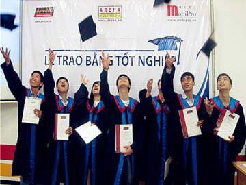 Lễ trao bằng tại Hanoi- Aptech, thời khắc niềm tự hào được gửi trao