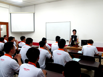 Chào đón các tân lập trình viên về đội của Trường Hanoi – Aptech