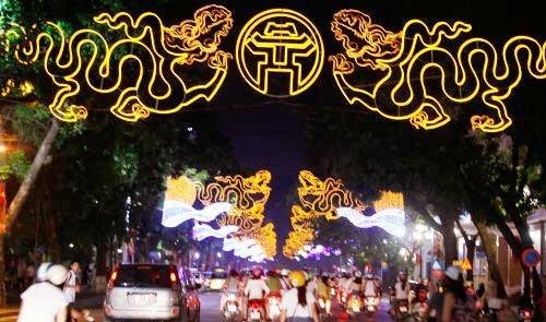 """Hanoi- Aptech """"Ghi dấu lịch sử"""" với quà tặng ý nghĩa mừng ngày Giải phóng Thủ đô-1"""