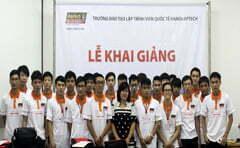 Read more about the article Hanoi- Aptech: Từng bừng khai giảng lớp lập trình viên Fasttrack