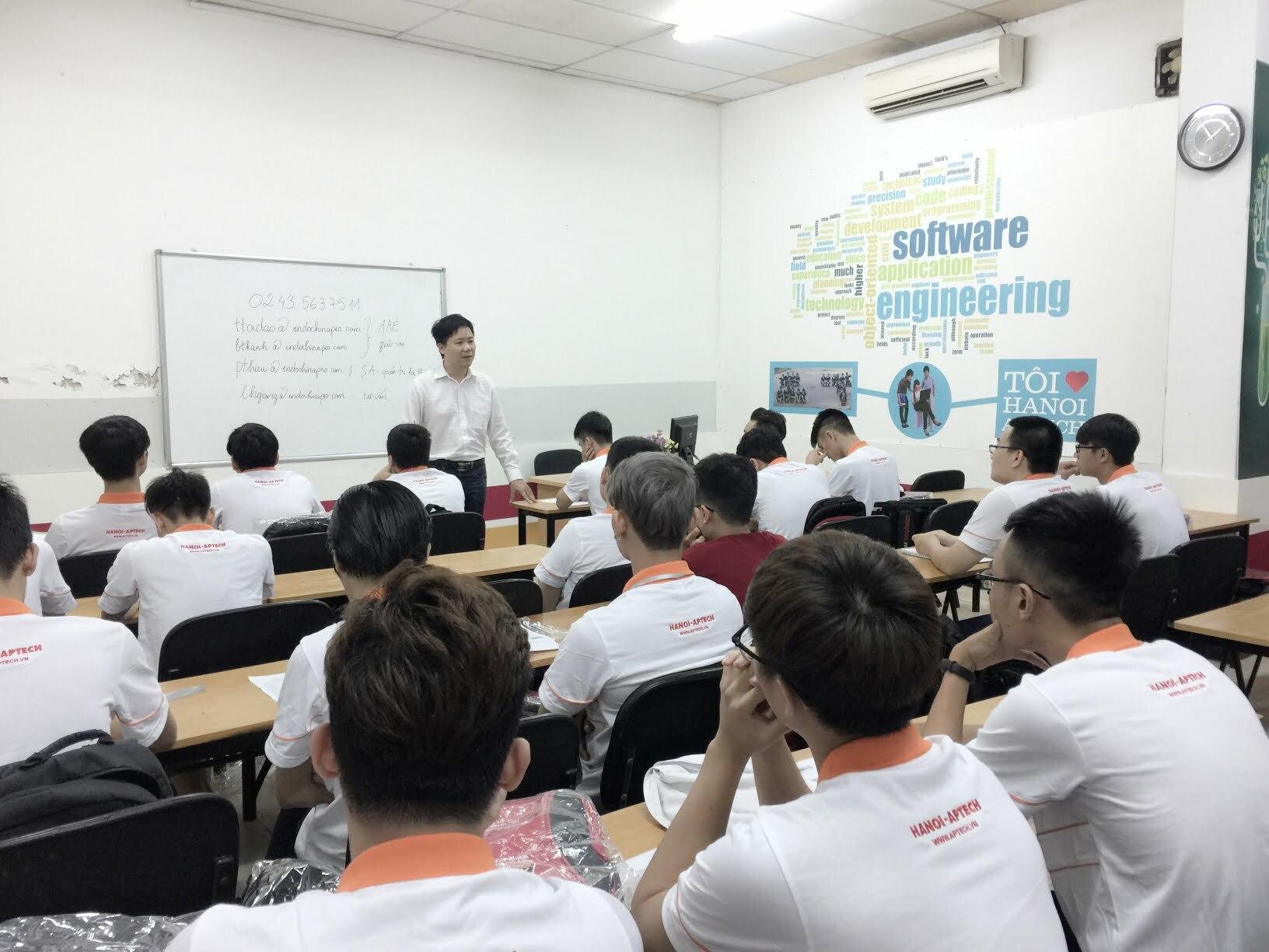 Hanoi-Aptech khai giảng khóa mới tháng 8/2017