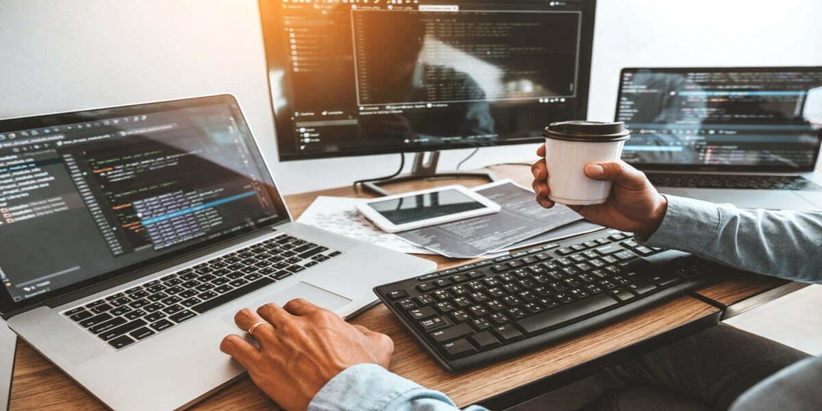 Top 5 ngôn ngữ lập trình hàng đầu bạn nên học năm 2021